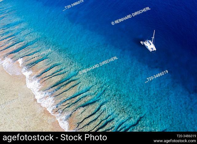 Catamaran at Apataki Atoll, Tuamotu Archipel, French Polynesia