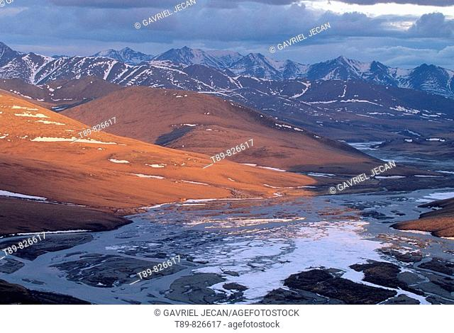 Brooks Range view and river in the Arctic National Wildlife Refuge, Alaska, USA