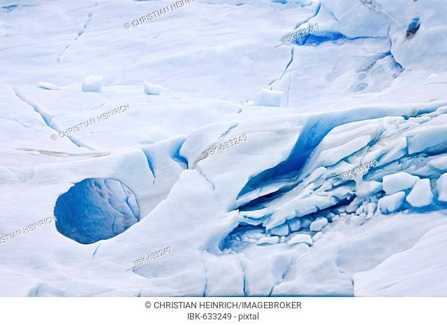 Iceberg detail in the lake Lago Argentino, national park Los Glaciares, (Parque Nacional Los Glaciares), Patagonia, Argentina, South America