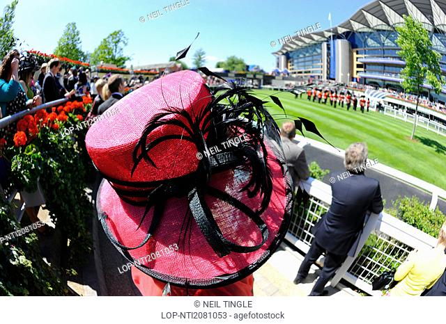 England, Berkshire, Ascot. An elaborate hat worn by a woman attending day two of Royal Ascot 2010