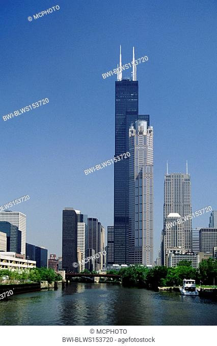 The SEARS TOWER 1454 ft./world's tallest building for 24 years designed by Skidmore, Owings and Merrill 1974, USA, Illinois, Chicago