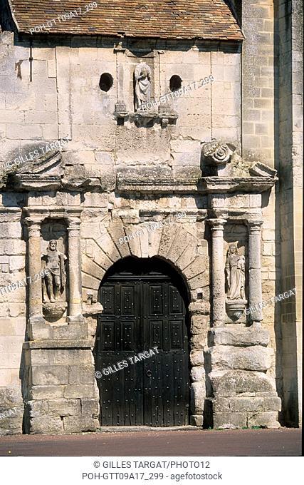 tourism, France, picardie, oise, valois, village morienval, church, religious building, square, square, close-up on the porch, portal, doorway