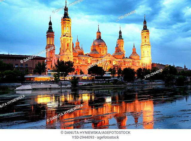 Catedral-Basílica de Nuestra Señora del Pilar de Zaragoza, Cathedral-Basilica of Our Lady of the Pillar, view from Puente de Piedra bridge over Ebro river