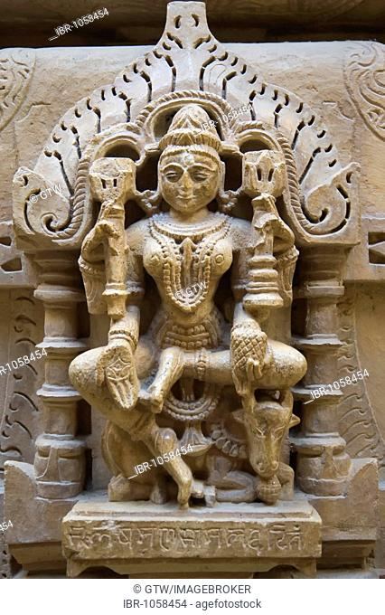 Carved sandstone statues, Jain Temple, Jaisalmer, Thar Desert, Rajasthan, India, South Asia