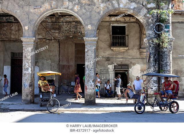 Typical street scene in Old Havana, Havana Vieja, Cuba