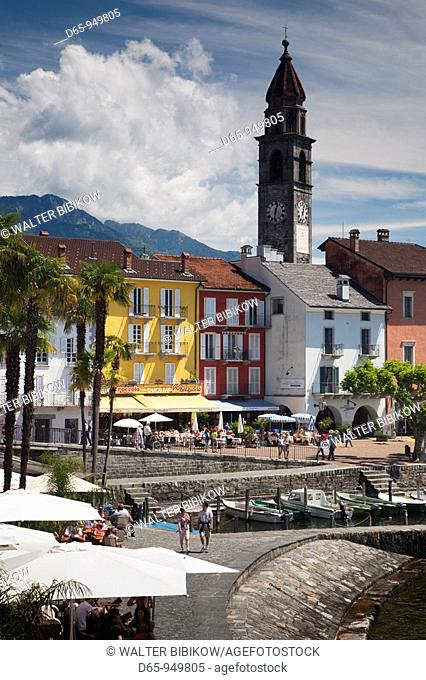 Switzerland, Ticino, Lake Maggiore, Ascona, Piazza Motta and lakefront