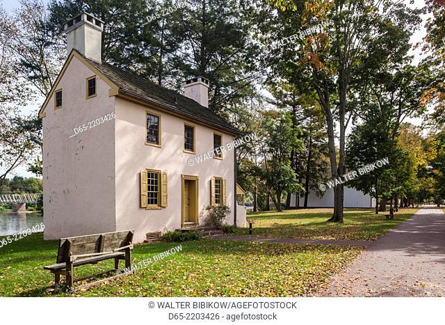 USA, Pennsylvania, Bucks County, Washington Crossing, Washington Crossing Historic Park dedicated to George Washington's crossing of the Delaware River and...