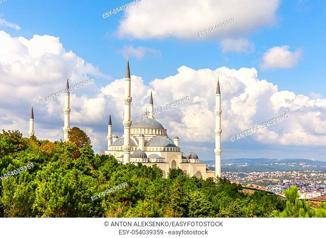 Camlica Mosque of Istanbul, beautiful side view
