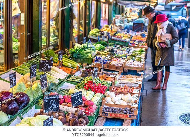 Vienna Naschmarkt Linke Wienzeile open air fruit & veg market. Austria