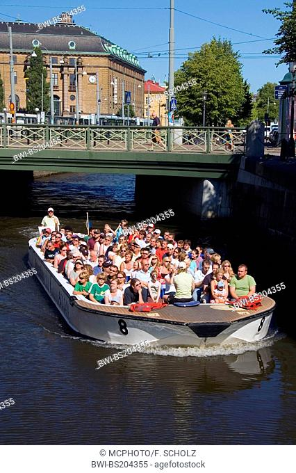excursion boat Paddan on a chanal of Goeteborg near Drottningtorget, Sweden, Goeteborg