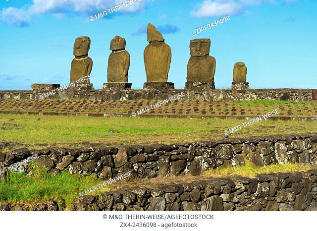 Moais at Tahai ceremonial complex, Hanga Roa, Rapa Nui National Park, Easter Island, Chile, Unesco World Heritage