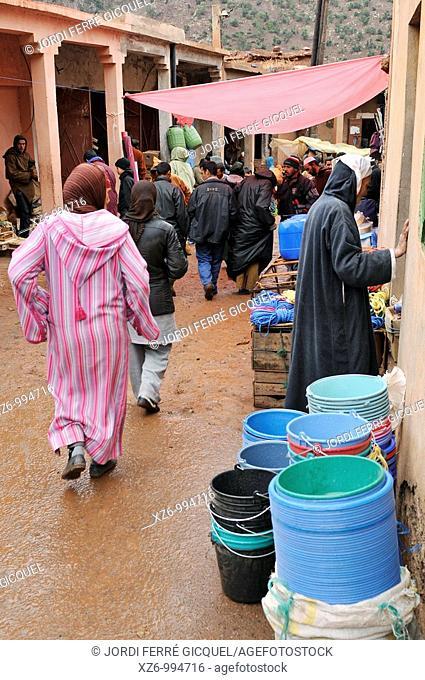 Outdoor market souk, El Had, High Atlas, Morocco, Africa, december 2009