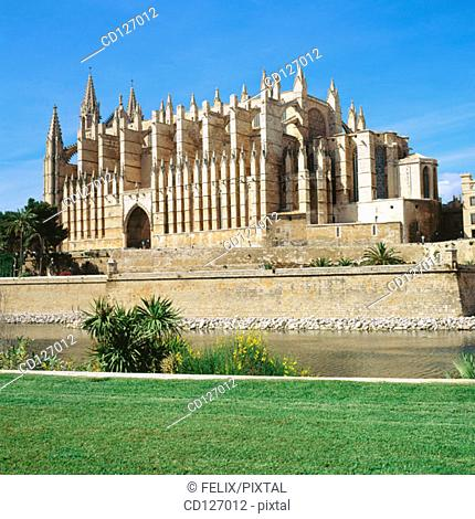 Gothic cathedral (1230-1601) of Palma de Mallorca. Majorca. Balearic Islands. Spain