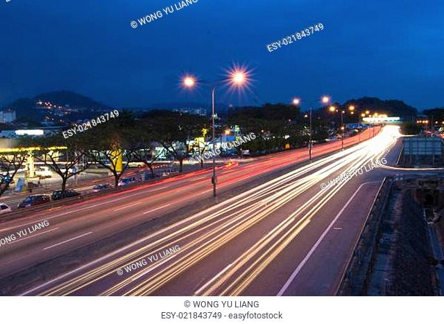 Urban night traffics with focus on the road