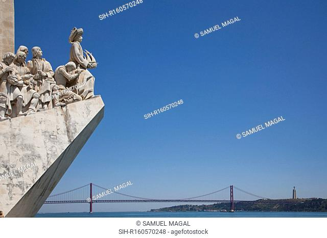 The monument that was built in 1960, stands on wind rose, a homage by the man of today to the man of yesterday. It celebrates the Portuguese Age of Discovery...