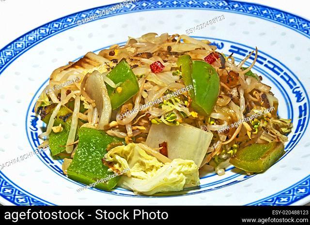 chinesisches Gericht mit Gemüse