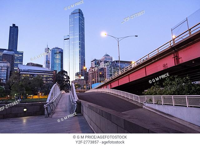 pedestrian bridge and Kings Bridge, with Melbourne city skyline