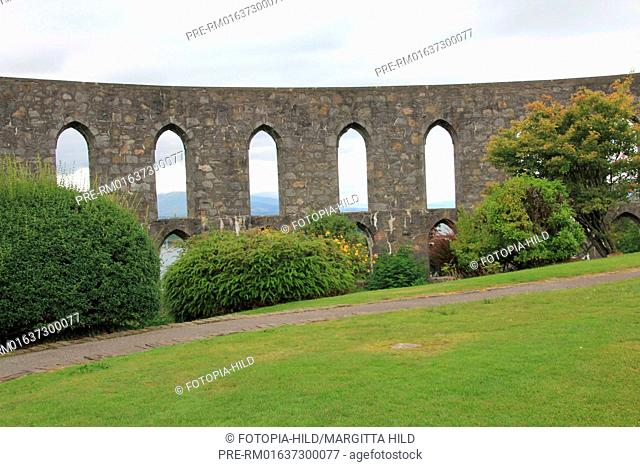 McCaig's Tower on Battery Hill, Oban, Argyll and Bute, Scotland, United Kingdom / McCaig's Tower auf dem Battery Hill, Oban, Argyll and Bute, Schottland