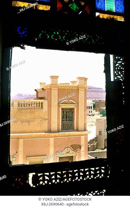yemen, tarim, Foreshortening of a building
