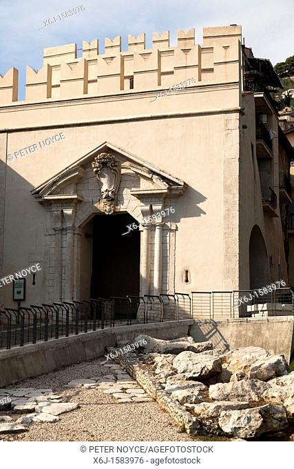 Porta del sole gateway to Palestrina