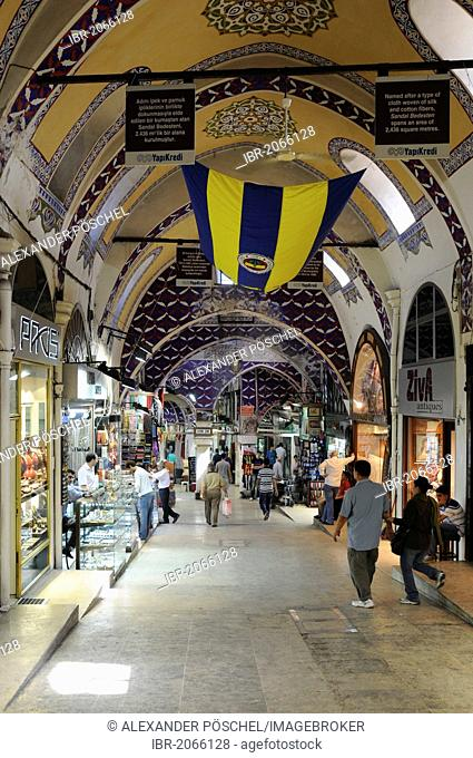 Interior view, covered part of the Grand Bazaar, Kapali Carsi, old town, Istanbul, Turkey, Europe