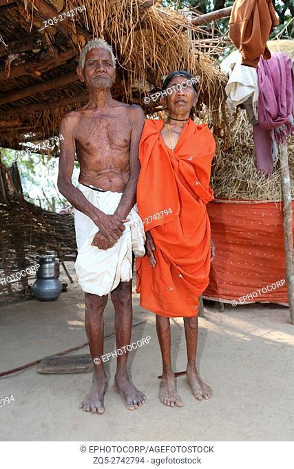 Tribal couple, BHATRA TRIBE, Ulnar Vilage, Chattisgarh, India
