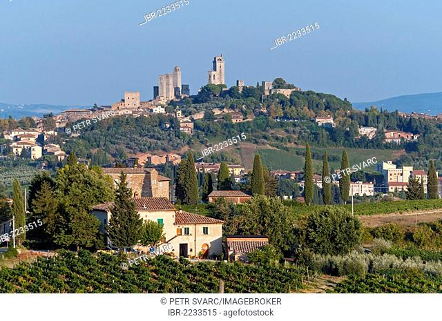 Medieval hill town of San Gimignano, Toscana, Tuscany, Italy, Europe