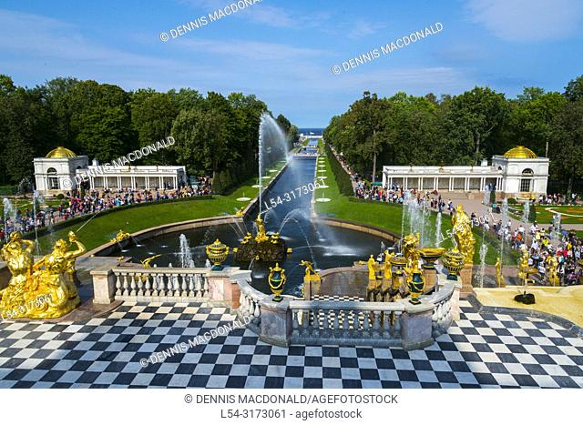 The Grand Palace and Grand Cascade of the Peterhof Palace and grounds and gardens, Petergof St Saint Petersburg, Russian Sankt Peterburg, formerly (1914â