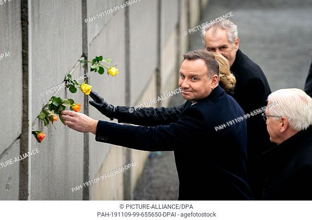 09 November 2019, Berlin: Federal President Frank-Walter Steinmeier, Andrzej Duda (l), President of Poland, and Milos Zeman (M), President of the Czech Republic