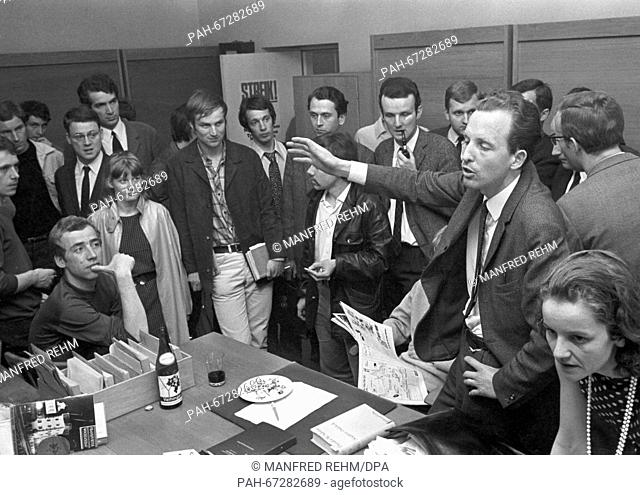Students of Goethe-University discussed about actions to be taken against the new Emergency Law on 27 May 1968. - Frankfurt/Hessen/Germany
