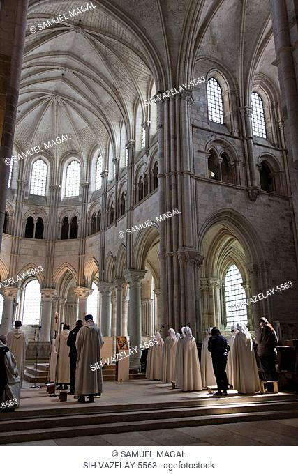 The Abbey was built between the end of the 11th Century and the end of the 12th Century. The choir was built at the end of the 12th Century in a Gothic style