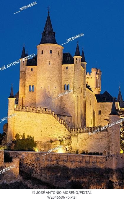 Alcazar fortress at night, Segovia. Castilla-León, Spain