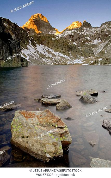 Palas peak and Arriel lake. Sallent de Gállego. Tena valley. Huesca province. Aragon. Spain