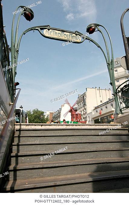 France, ile de france, paris 18e arrondissement, station du metro blanche, place blanche, moulin rouge, ligne 2, ratp, Hector Guimard