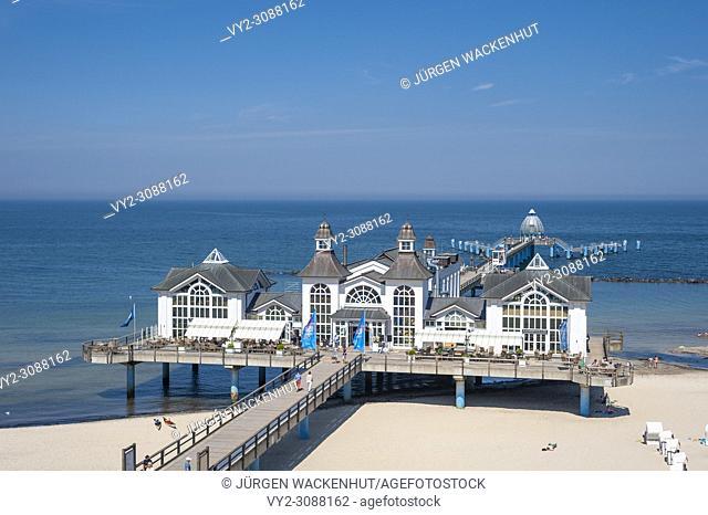 Pier, Sellin, Rügen, Mecklenburg-Vorpommern, Germany, Europe