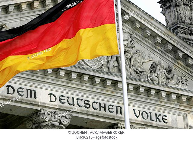 DEU, Germany, Berlin: German parlieament building, The Reichstag, national flag