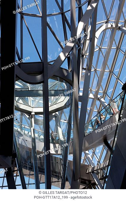 France, Lyon, Quays of the Saône River, Musée des Confluences, architect : Agence Coop Himmelb(l)au, light effects Photo Gilles Targat