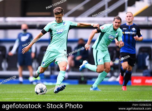 firo, soccer: 23.05.2020 1.Bundesliga, season 19/20 2019/2020 27. matchday: SC Paderborn 07 - 1899 Hoffenheim Christoph Baumgartner, individual action, shoots