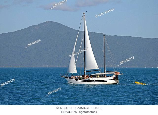 Sailing yacht in front of the Whitsunday Islands, Australia