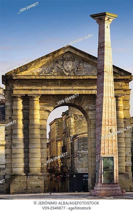 Obelisk and Porte d'Aquitaine former town gate on Place de la Victoire square, Bordeaux. Aquitaine Region, Gironde Department. France Europe