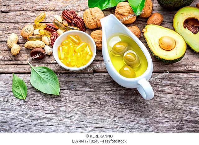 Selection food sources of omega 3 and unsaturated fats. Superfood high vitamin e and dietary fiber for healthy food. Almond, pecan, hazelnuts, walnuts