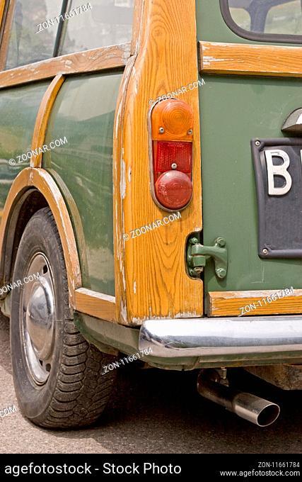 Innocenti Mini t - ein Klassiker unter den Autos und ein Oldtimer, der nur noch selten zu sehen ist