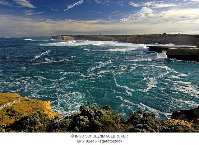 Coast in south australia near port campell, Victoria, australia
