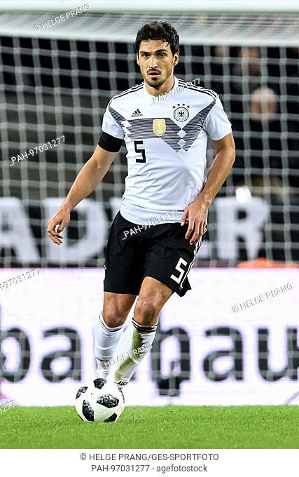 Mats Hummels (Germany) Einzelaktion, Freisteller. GES/ Fussball/ Freundschaftsspiel: Germany - Frankreich, 14.11.2017 Football / Soccer: Friendly match: Germany...