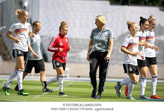 11 June 2019, France (France), Villeneuve-D·ascq: Football, women: World Cup, national team, Germany, final training: Martina Voss-Tecklenburg (M)