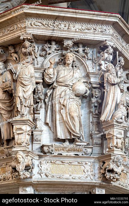 Germany, Saxony-Anhalt, Magdeburg, Magdeburg Cathedral, God with the globe, relief on the pulpit stairs. (In 1520 the cathedral was finished after 311 years of...