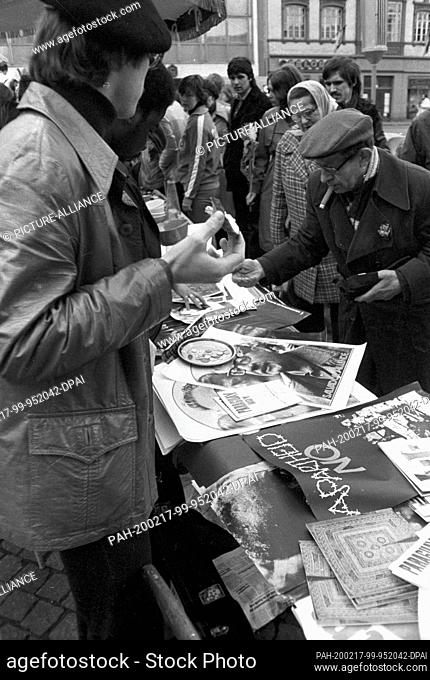 """01 May 1979, Brandenburg, Leipzig: After the demonstration on May 1, 1979 in Leipzig on the Ring, in the """"""""GDR called the International Day of Struggle and..."""