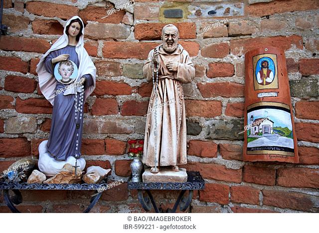 Statues, Madonna and monk, church in Barbaresco, Piedmont, Italy, Europe