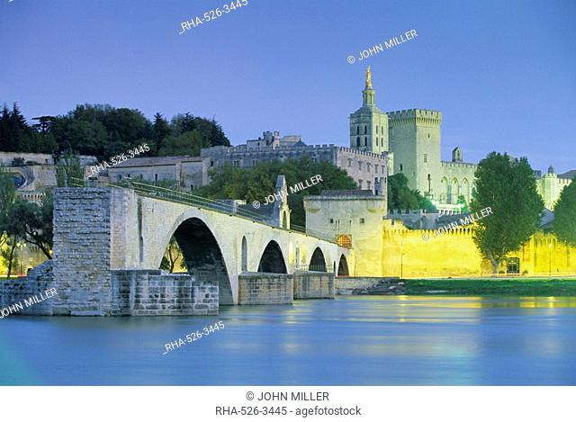 Palais des Papes Papal palace and River Rhone, Avignon, Vaucluse, Provence, France, Europe