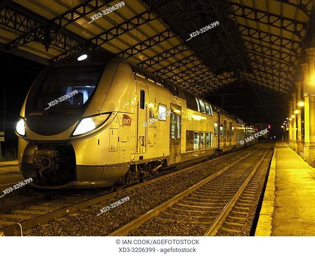 train at the railway station at night, Marmande, Lot-et-Garonne Department, Nouvelle-Aquitaine, France
